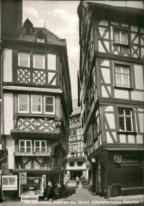 Bernkastel-Kues Berncastel-Cues Mittelalter Gäßchen, Geschäft mit Reiseandenken 1970