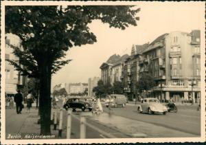 Charlottenburg-Berlin Kaiserdamm VW Käfer Beetle Bulli Fußweg 1959