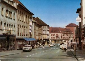 Zweibrücken Maxstrasse Geschäfte Autos ua. VW Käfer, Opel uvm. 1973