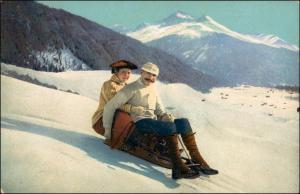 Ansichtskarte  Wintersport: Schlitten/Rodeln Mann Frau Stimmungsbild 1911