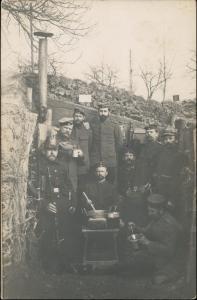 Foto  Militaria WK1 Feldküche im Schützengraben 1915 Privatfoto
