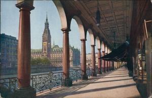 Ansichtskarte Hamburg Alsterarkaden mit Blick auf das Rathaus 1920