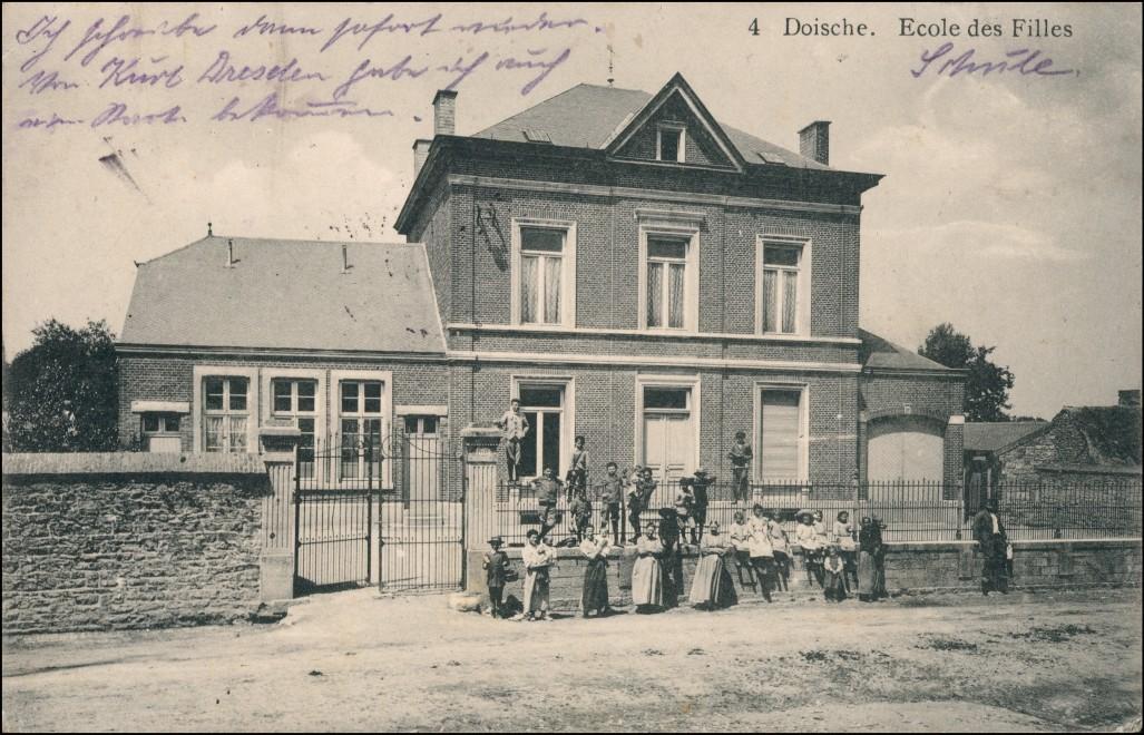 Postkaart Doische Ecole des Filles (Schule) b. Numur Namen 1914 0