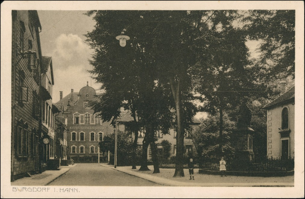 Ansichtskarte Burgdorf (Han) Platz, Geschäfte Amtsgericht 1912 0