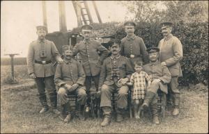 Foto  WK1 Soldaten Fernmeldeabteilung - Kind 1915 Privatfoto