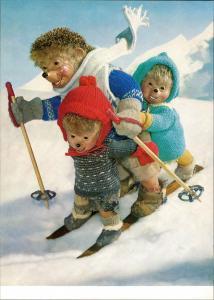Ansichtskarte  Mecki (Diehl-Film) mit Kindern auf Ski, Comic-Figuren 1975