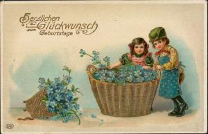 Ansichtskarte  Geburtstag Kinder Blumen Goldprägekarte 1913 Goldrand
