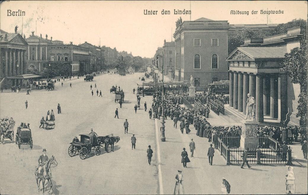 Ansichtskarte Mitte-Berlin Unter den Linden Hauptwache Ablösung 1910 0