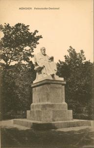 Ansichtskarte München Pettenkofer Denkmal 1911