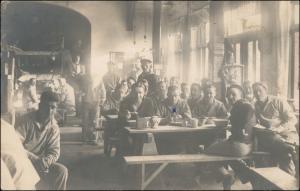 Militaria WK1 Soldaten in der Kantine gel Stempel Kriegsmarine 1917