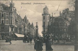 Ansichtskarte Düsseldorf Friedrichstrasse, Uhr - belebt 1919