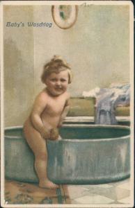 Ansichtskarte  Baby Waschtag Kind Kleinkind Badewanne Künstlerkarte 1920
