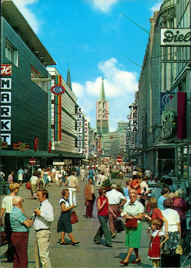 Gelsenkirchen Bahnhofstraße Fußgängerzone C&A Kaufhof Personen Geschäfte 1980 0