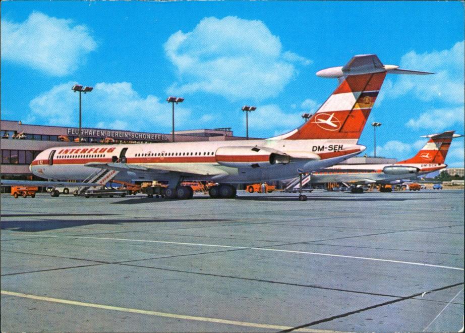 Ansichtskarte Schönefeld-Berlin Flughafen IL 62 INTERFLUG 1977 0