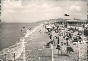 CPA Deauville Strand und Promenade 1964