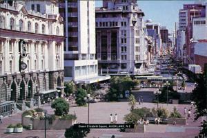 Postcard Auckland Queen Elizabeth Square 1984